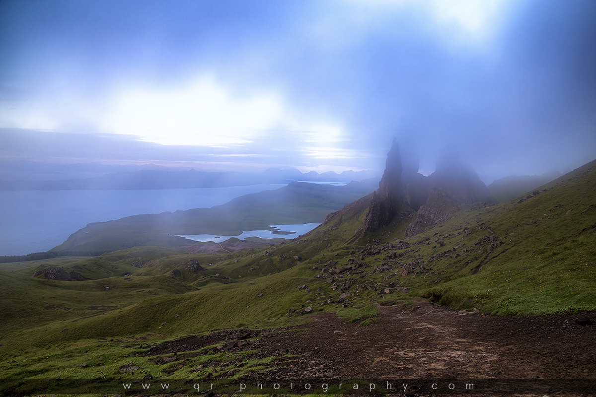 schottland isle of skye old man of storr q r photography. Black Bedroom Furniture Sets. Home Design Ideas